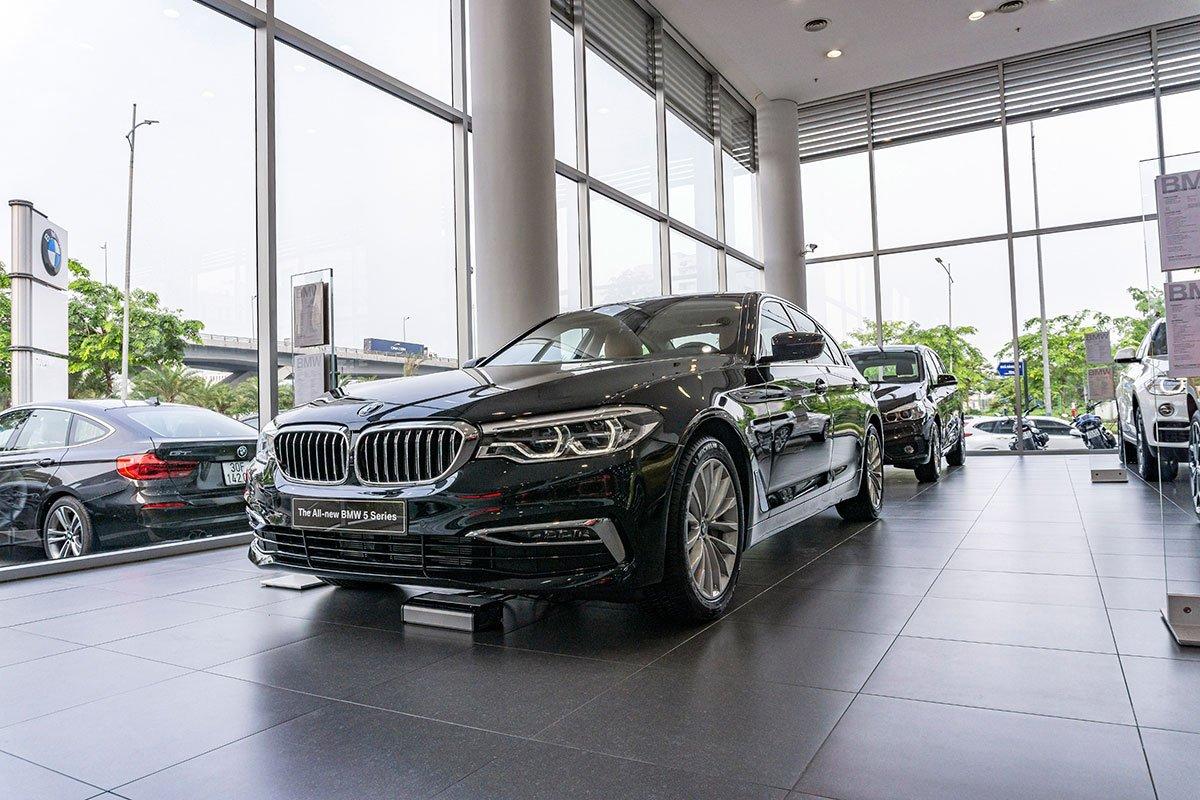 Giá xe BMW 530i mới nhất.