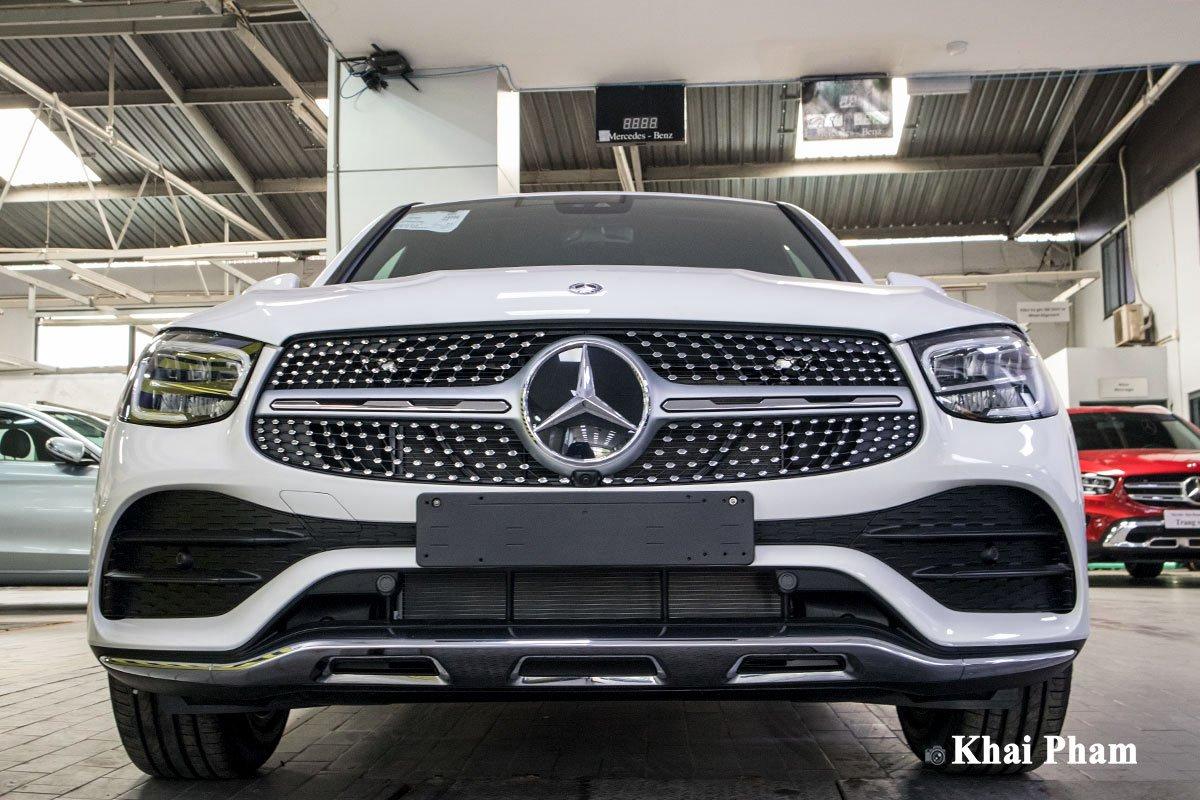 Ảnh Chính diện đầu xe xe Mercedes-Benz GLC 300 Coupe 2020