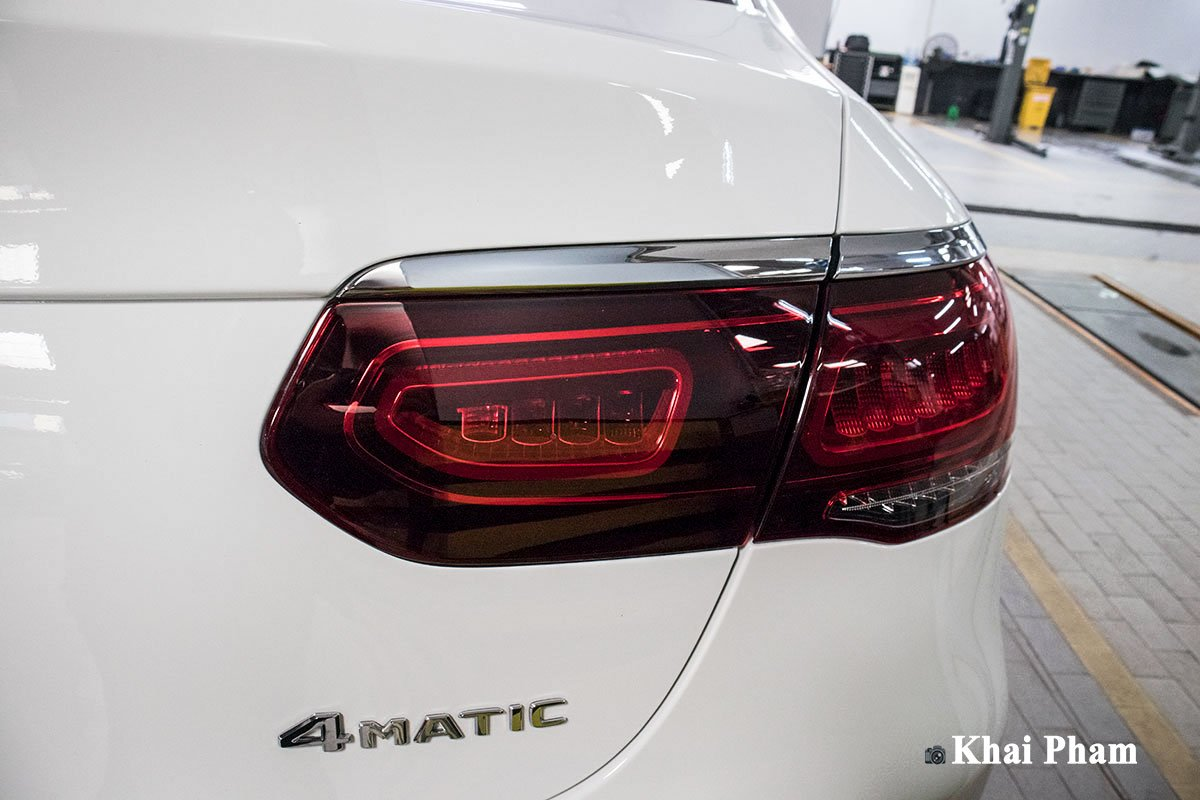 Ảnh Đèn hậu phải xe Mercedes-Benz GLC 300 Coupe 2020 a1