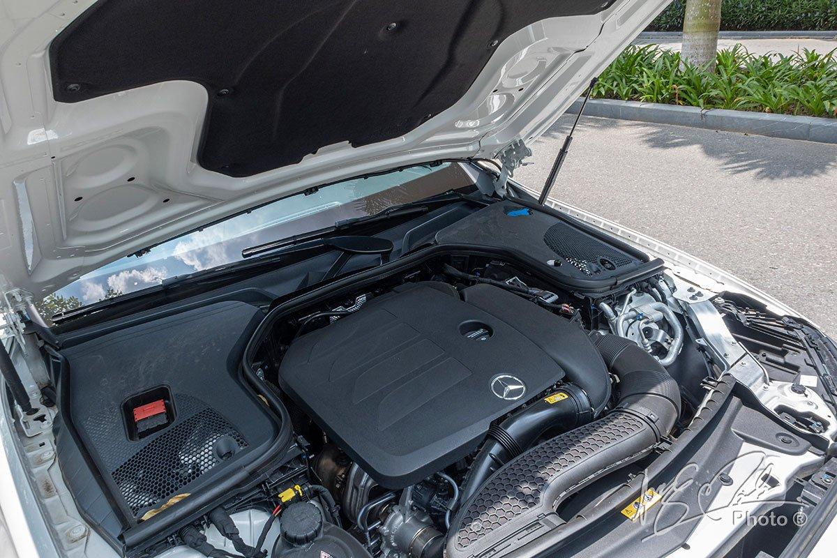 Đánh giá xe Mercedes-Benz E 180 2020: Động cơ 1.5 Turbo tăng áp mới.