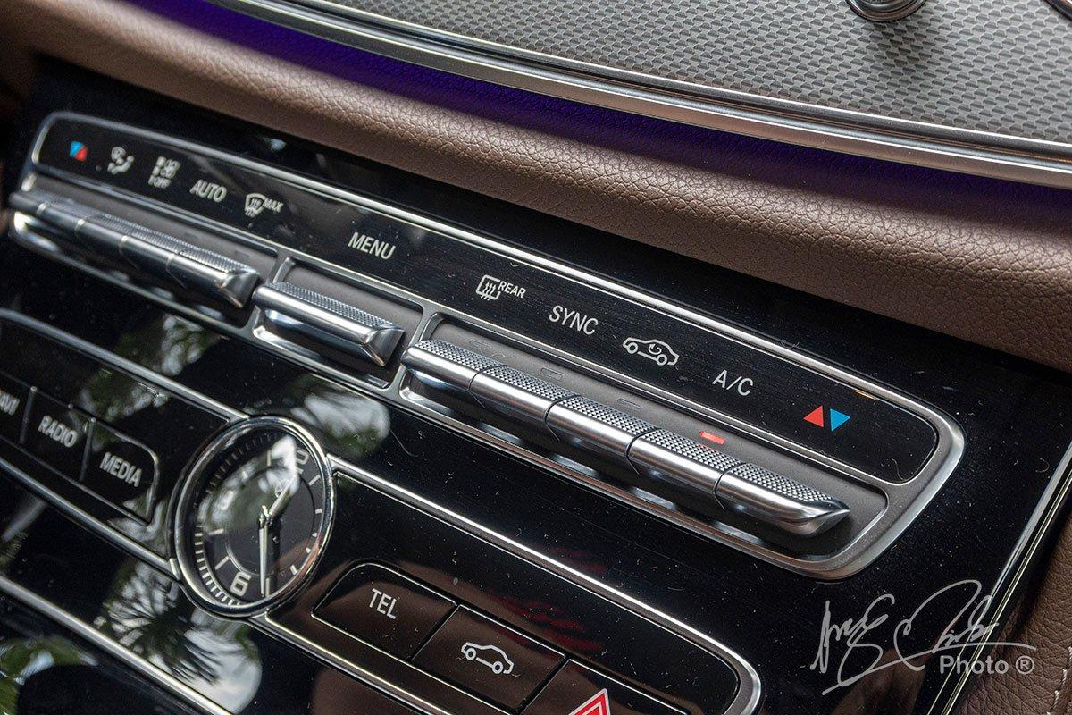 Đánh giá xe Mercedes-Benz E 180 2020: Điều hoà 2 vùng độc lập.