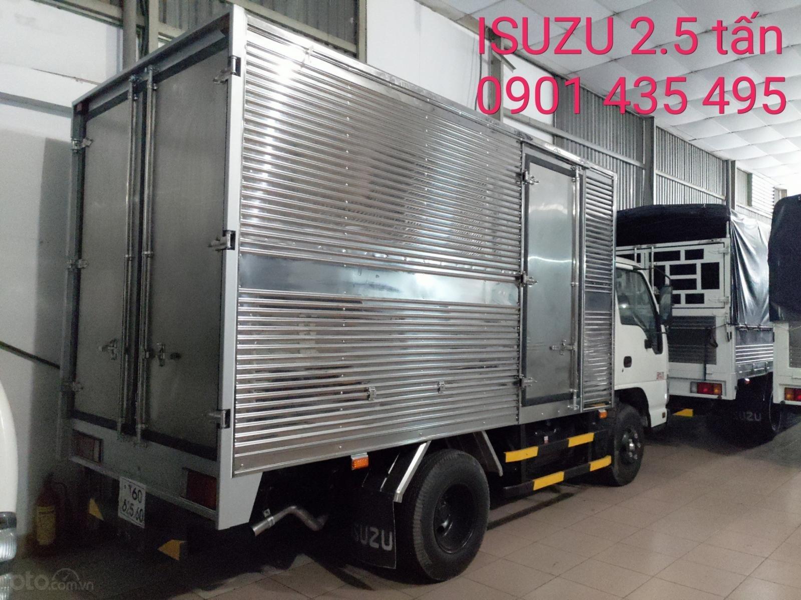 Bán Isuzu 2.5 tấn thùng kín 3.6m - KM: 9.4tr tiền mặt, máy lạnh, 12 phiếu bảo dưỡng, radio MP3 (3)
