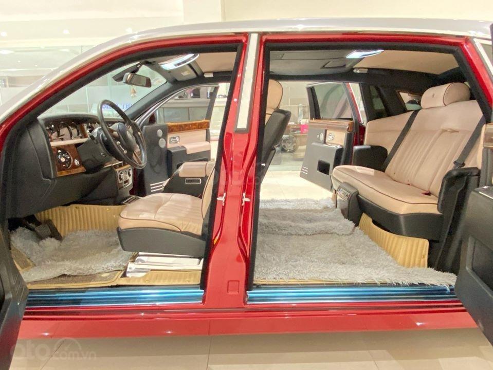Bán xe Roll Royce Phantom EWB, bản thùng dài hiếm nhất VN, đăng kí lần đầu 2011 (4)
