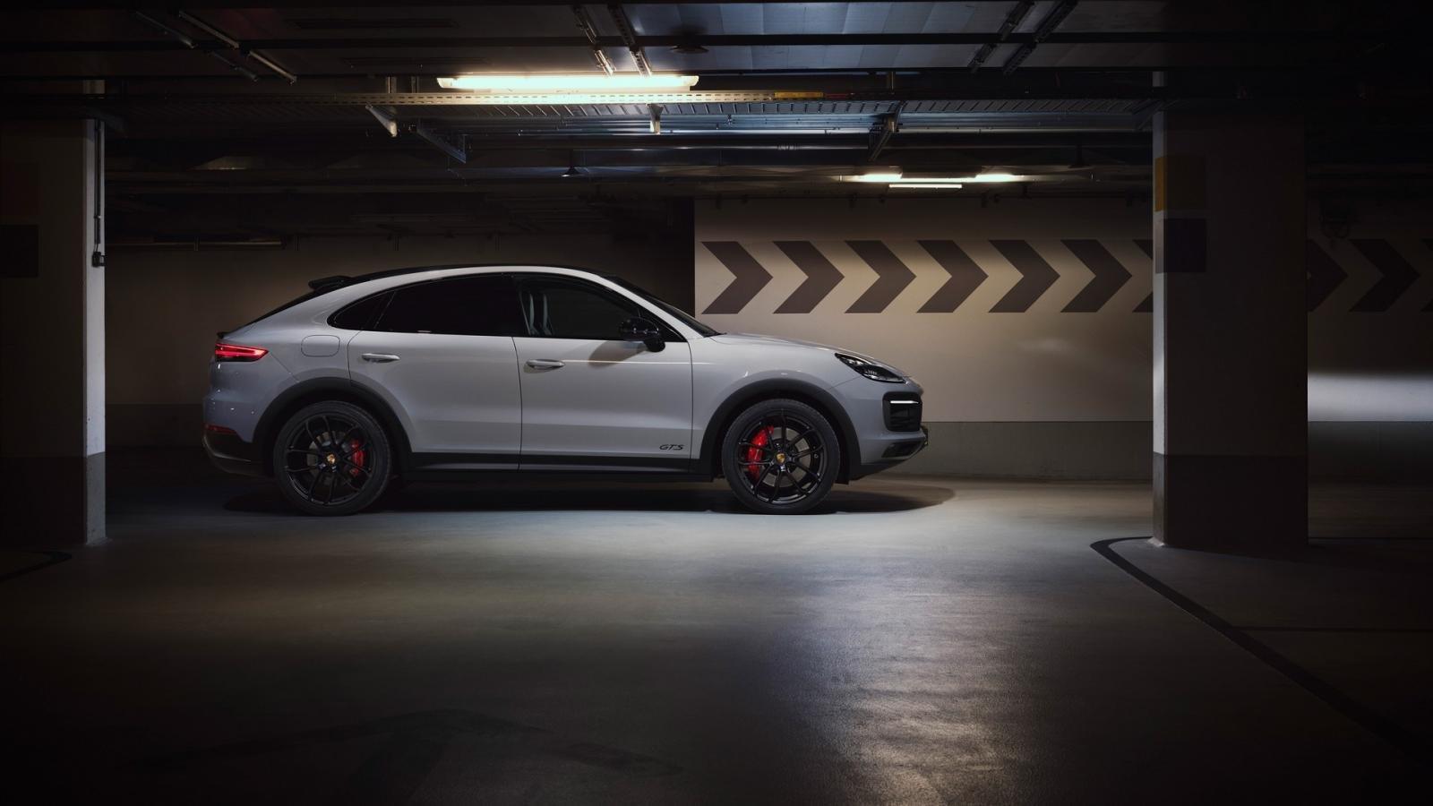 Porsche Cayenne 2021 GTS quyến rũ hơn nữa.