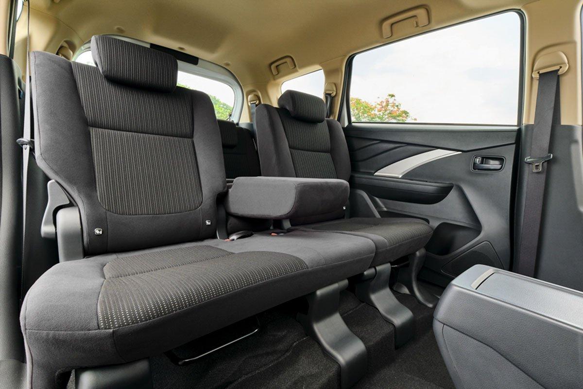 Không gian nội thất rộng rãi vẫn là thế mạnh của Mitsubishi Xpander 2020 MT.