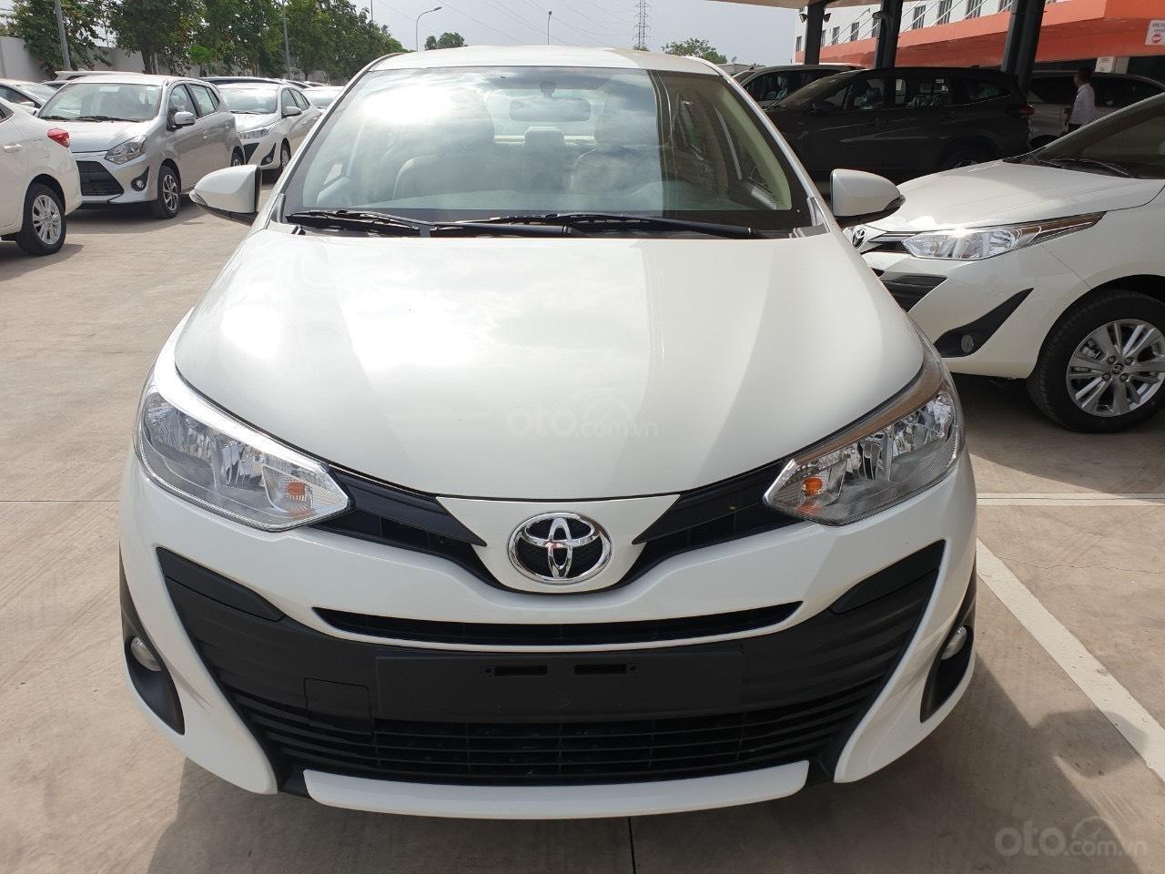 Bán Toyota Vios 1.5 số sàn 2020- vay 80% - trả 120tr nhận ngay xe (1)