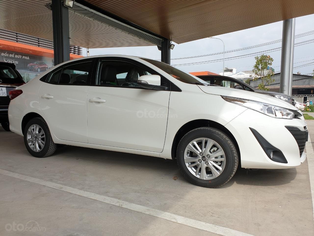 Bán Toyota Vios 1.5 số sàn 2020- vay 80% - trả 120tr nhận ngay xe (2)
