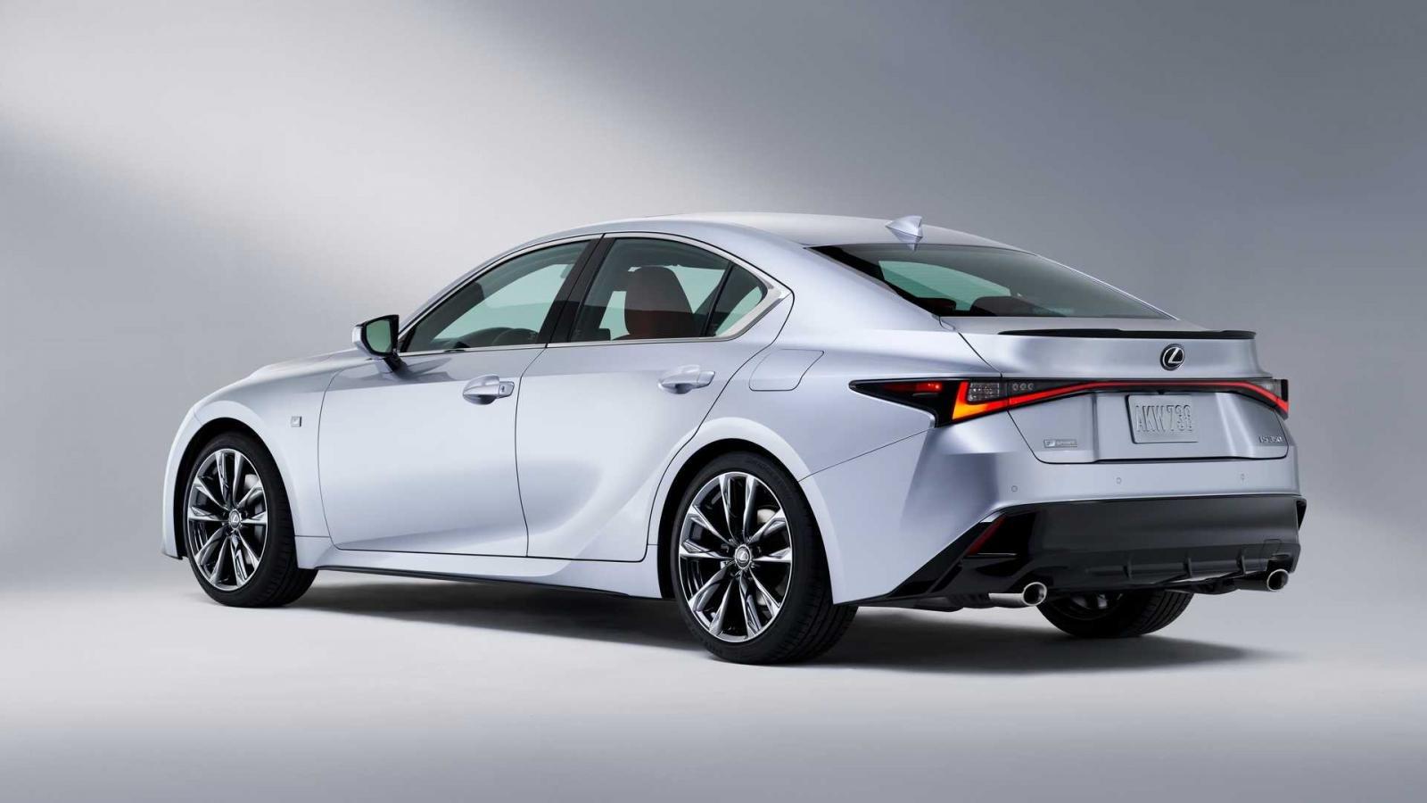 Lexus IS 2021 quyến rũ khó cưỡng.