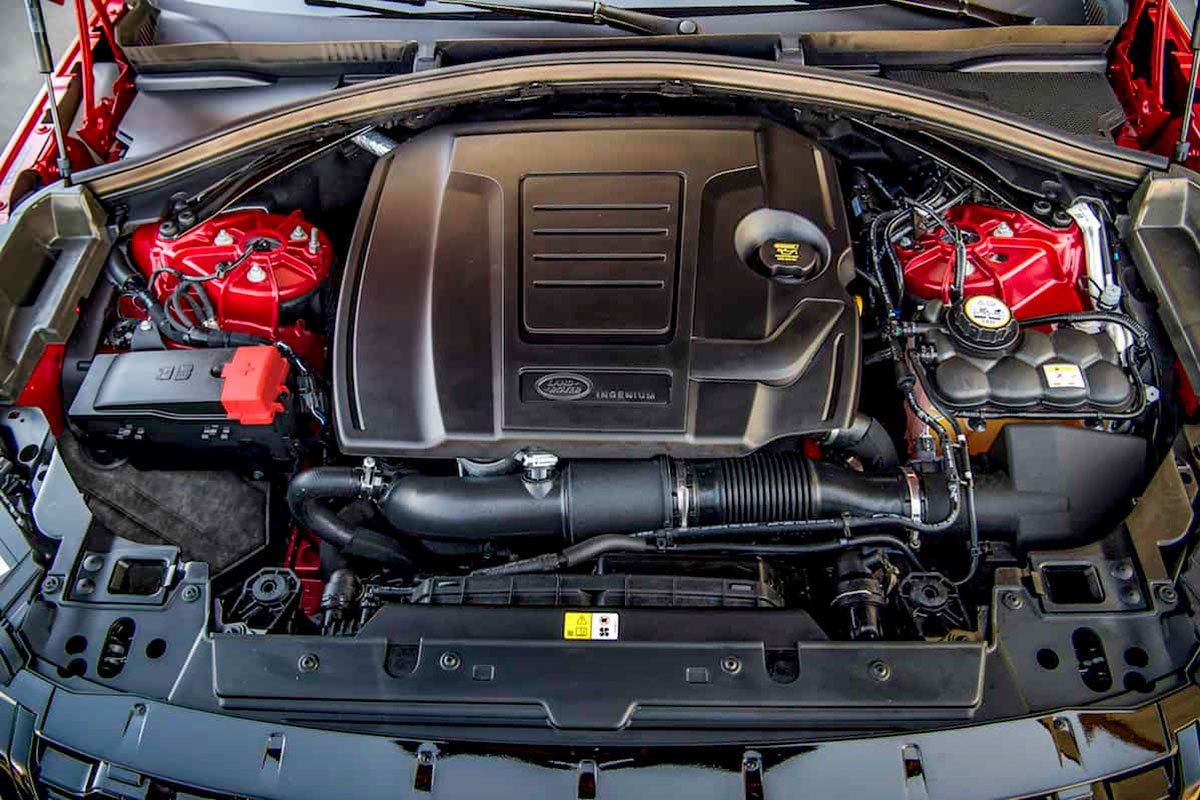 Đánh giá xe Range Rover Velar 2020: Động cơ I-4 2.0 Turbo tăng áp.