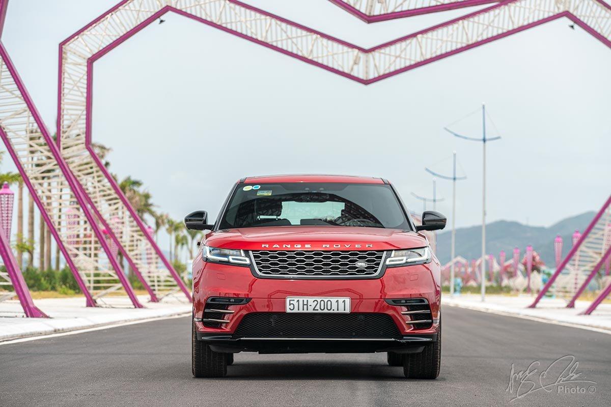 Đánh giá xe Range Rover Velar 2020: thiết kế đầu xe.