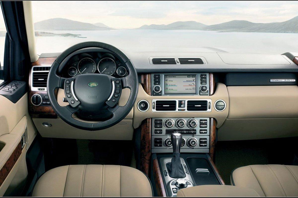Nội thất của Range Rover thế hệ 3 được nâng tầm sang trọng ở tầm cao mới.