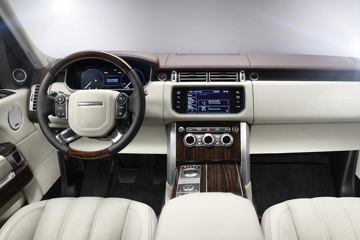 Nội thất của Range Rover thế hệ thứ 4 tập trung vào sự tinh giản và hiện đại.