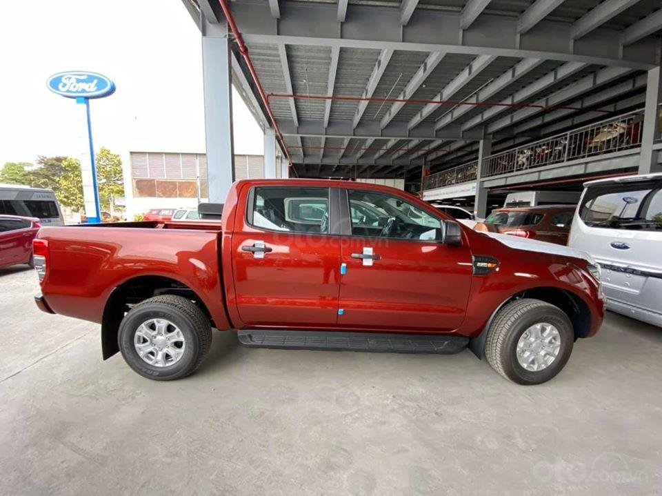 Ford Ranger XLS MT 2020 - Đủ màu, giao ngay (2)