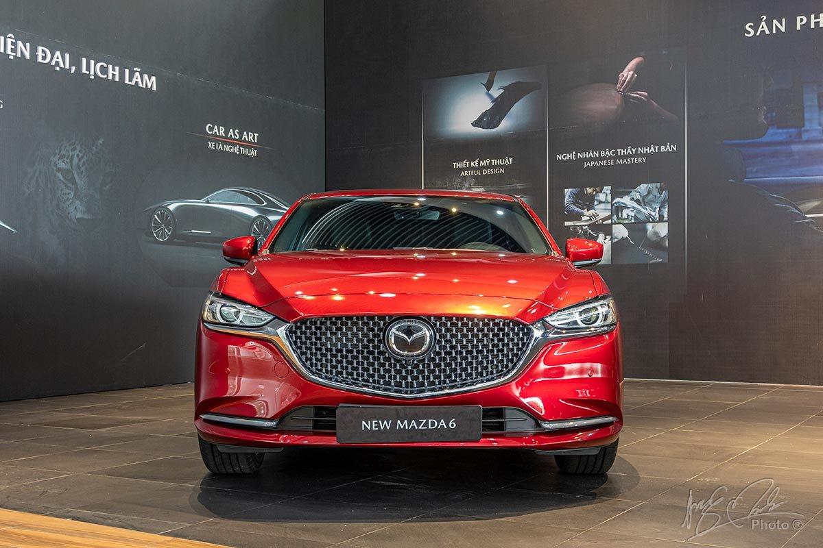 Cản trước của New Mazda 6 được thiết kế tối giản và bớt lồi lõm.