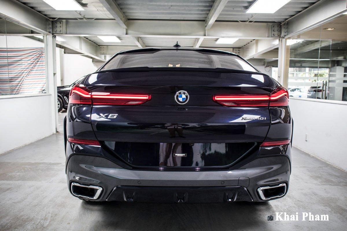 Ảnh chính diện đuôi xe BMW X6 2020