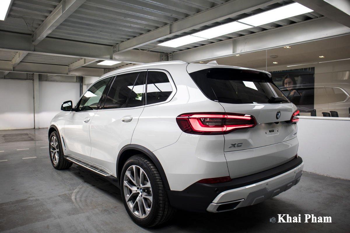 Ảnh sau xe BMW X5 2020