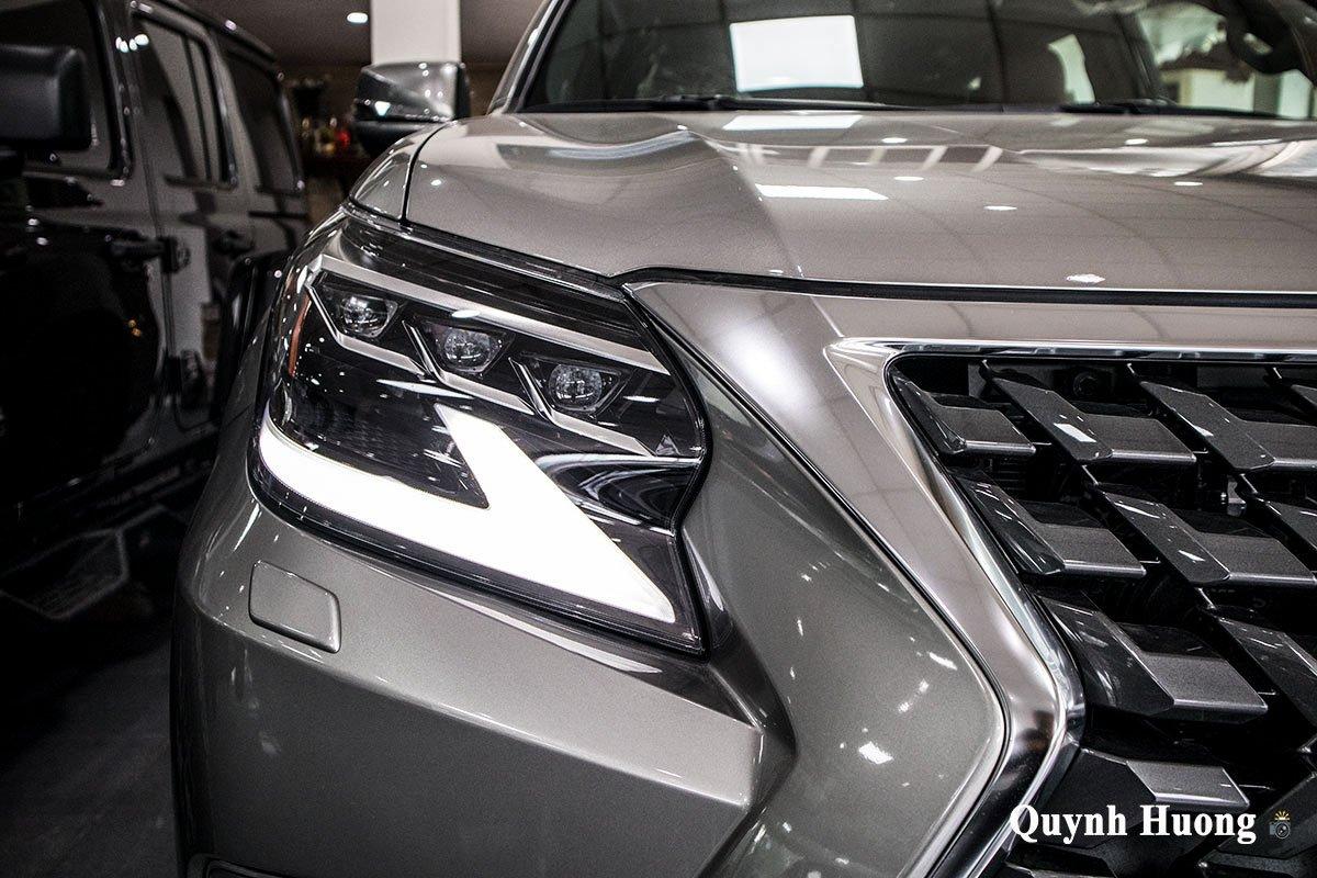 Ảnh đèn pha xe Lexus GX 460 2020