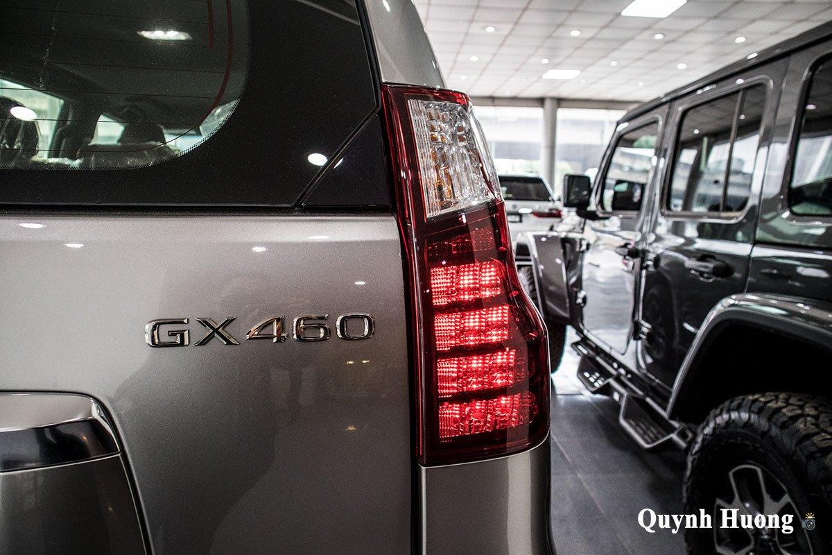 Ảnh đèn hậu phải xe Lexus GX 460 2020