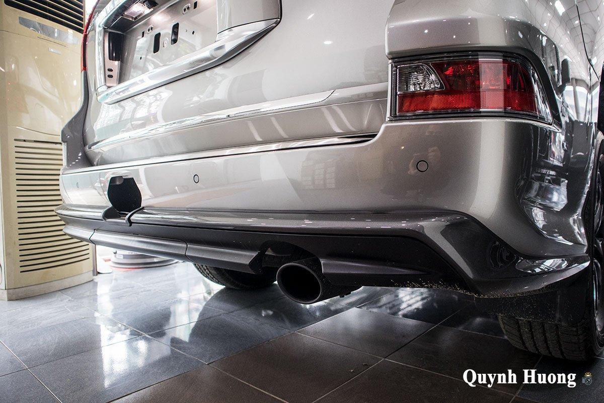 Ảnh cản sau xe Lexus GX 460 2020
