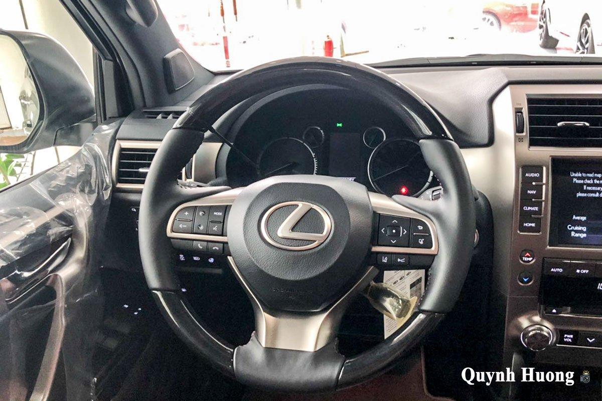 Ảnh chính diện vô-lăng xe Lexus GX 460 2020