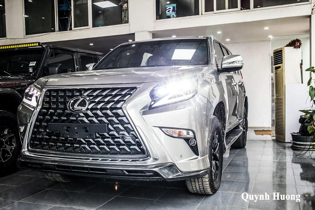Ảnh chính diện thân xe Lexus GX 460 2020