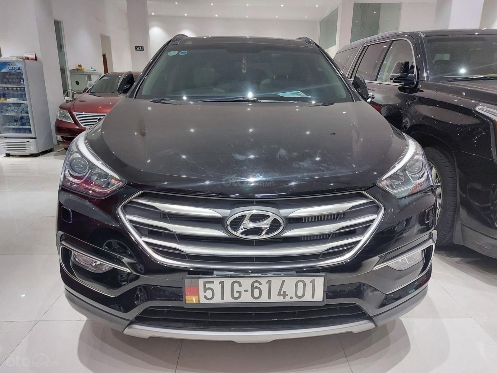 Bán Hyundai Santa Fe 2.2 AT 2018, máy dầu diesel, biển SG, xe gia đình sử dụng, odo 30.000km, thương lượng khách thiện chí (1)