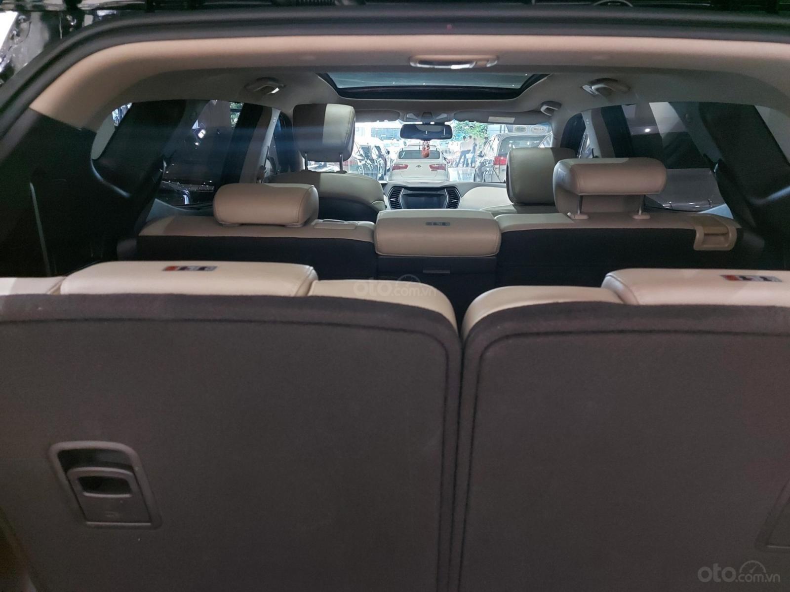 Bán Hyundai Santa Fe 2.2 AT 2018, máy dầu diesel, biển SG, xe gia đình sử dụng, odo 30.000km, thương lượng khách thiện chí (11)