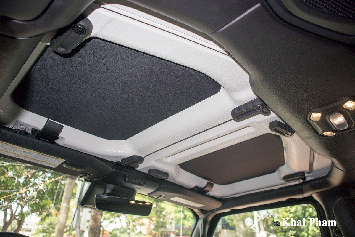 Ảnh cửa sổ trời xe Jeep Gladiator Launch Edition 2020