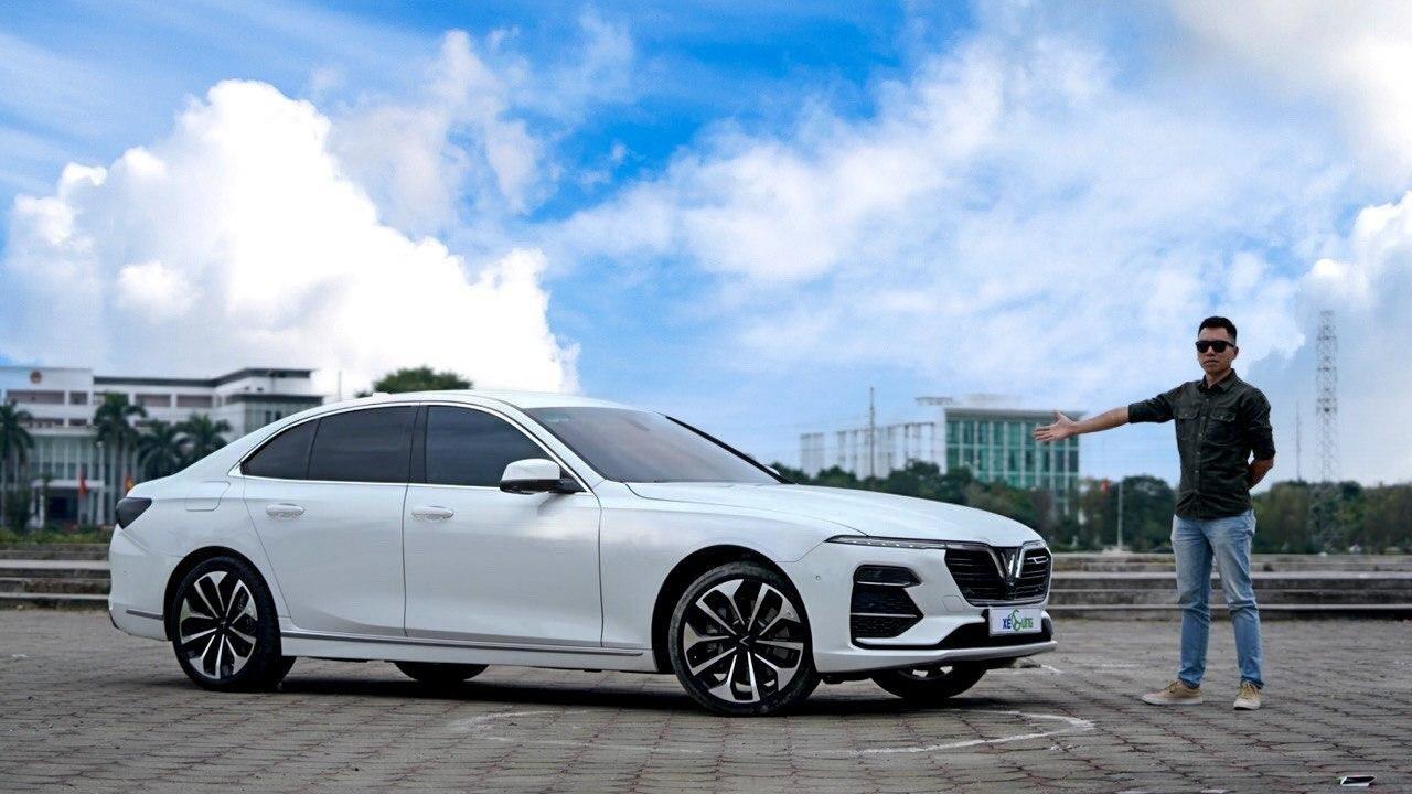 Review ô tô đang trở thành trào lưu khi thị trường ô tô Việt Nam đang phát triển mạnh mẽ.