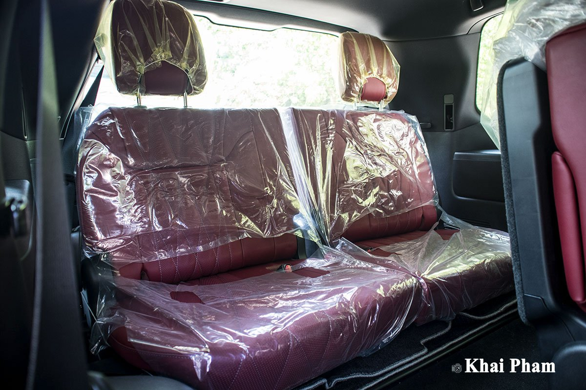 Ảnh ghế cuối xe Lexus LX 570 Super Sport Black Edition 2020