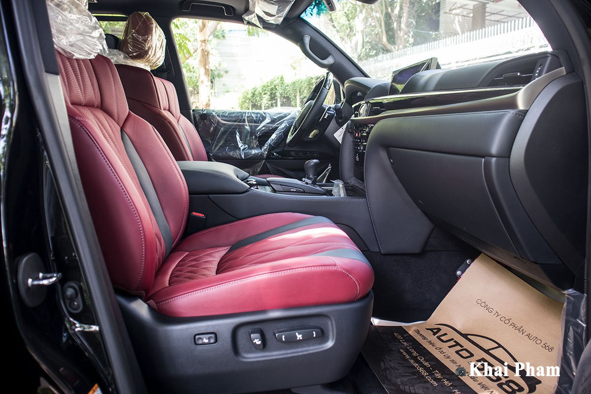 Ảnh ghế phụ xe Lexus LX 570 Super Sport Black Edition 2020 a1