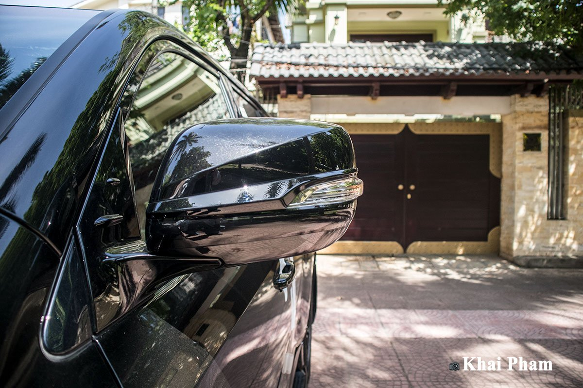 Ảnh gương xe Lexus LX 570 Super Sport Black Edition 2020