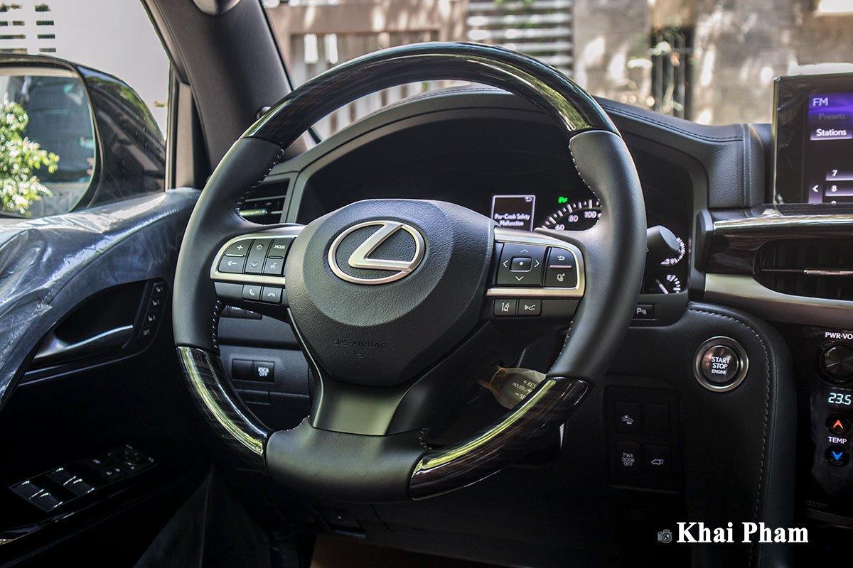 Ảnh vô-lăng xe Lexus LX 570 Super Sport Black Edition 2020