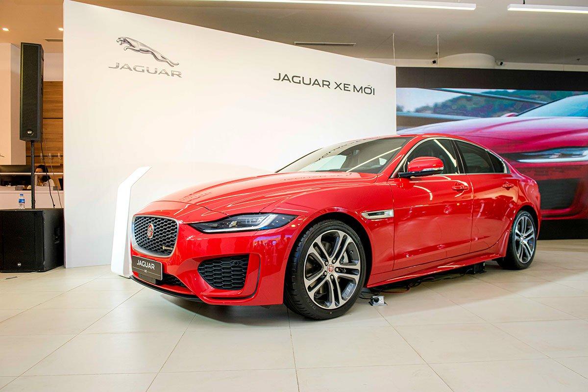 Jaguar XE 2020 vừa ra mắt tại Việt Nam.