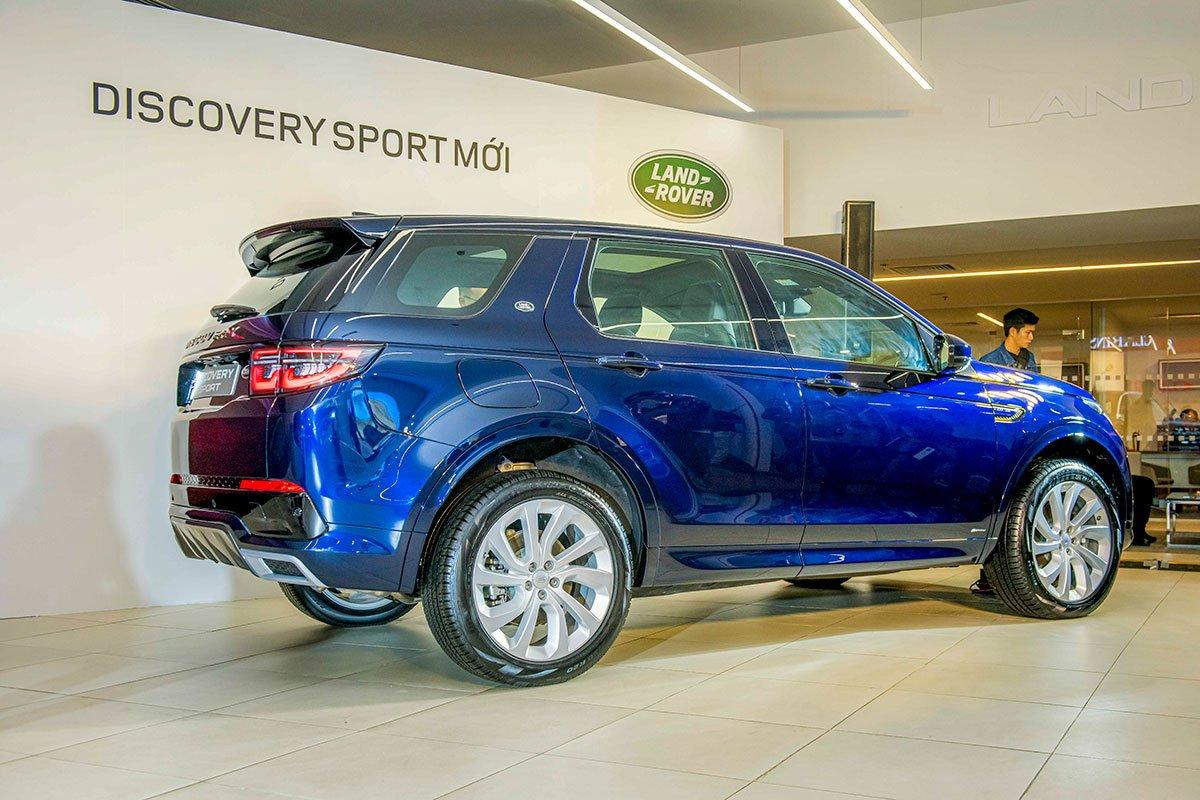 Land Rover Discovery Sport 2020 sử dụng chung khung gầm với Range Rover Evoque thế hệ mới.
