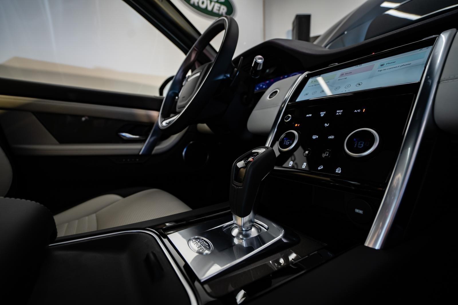 Không gian nội thất Land Rover Discovery Sport 2020 1
