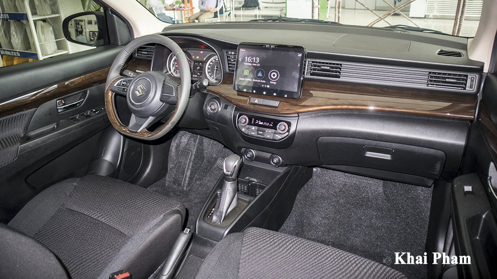 Ảnh Khoang lái xe Suzuki Ertiga Sport 2020