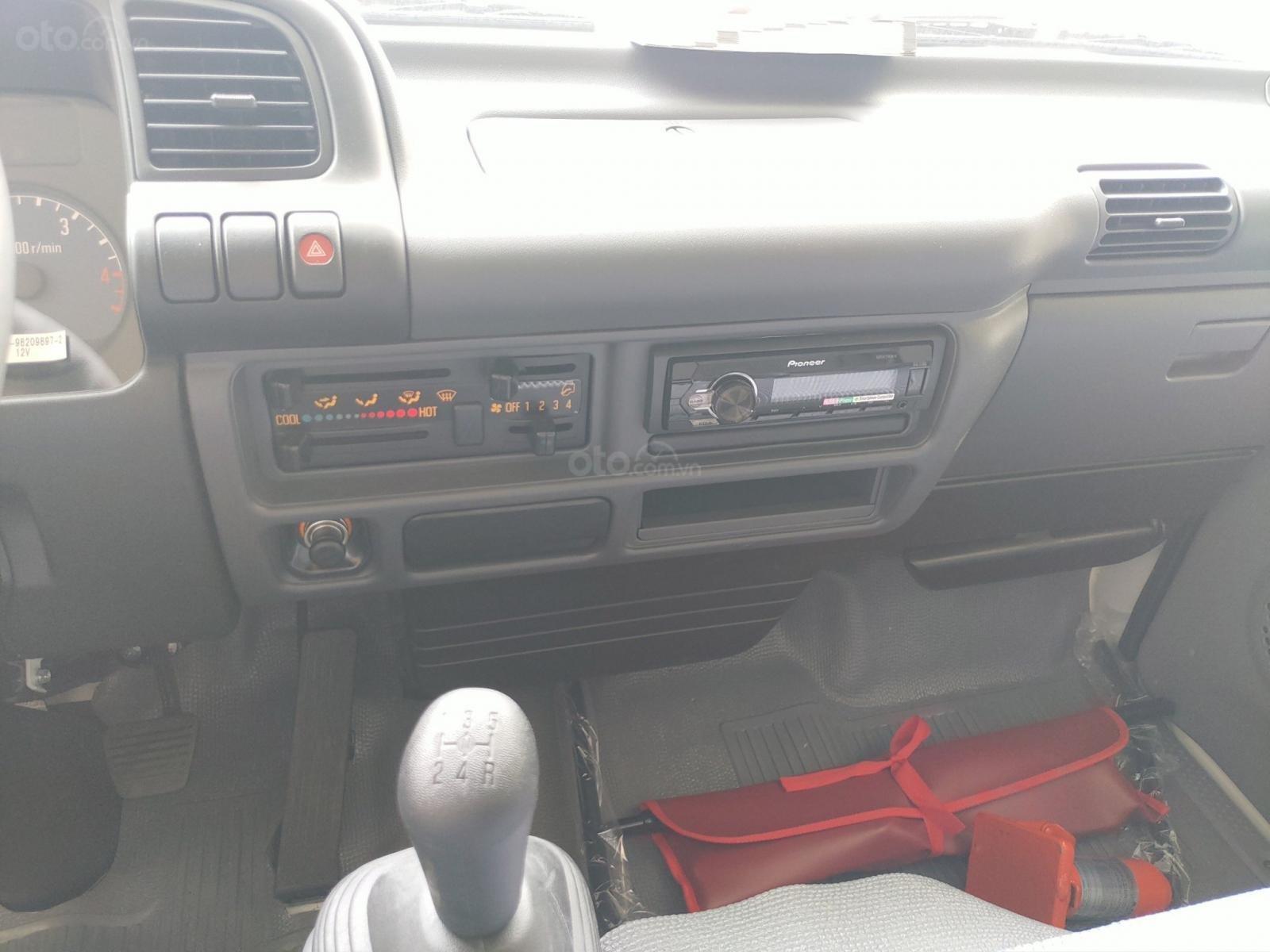 Isuzu 1.99 tấn, KM: 9.4tr tiền mặt, máy lạnh, 12 phiếu bảo dưỡng, radio MP3 (4)