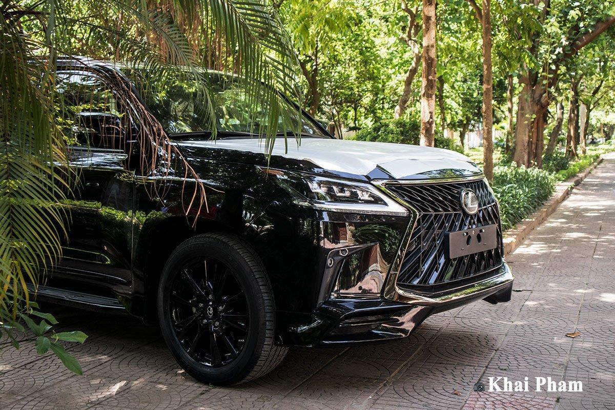 Ảnh Tổng quát xe Lexus LX 570 Super Sport 2020
