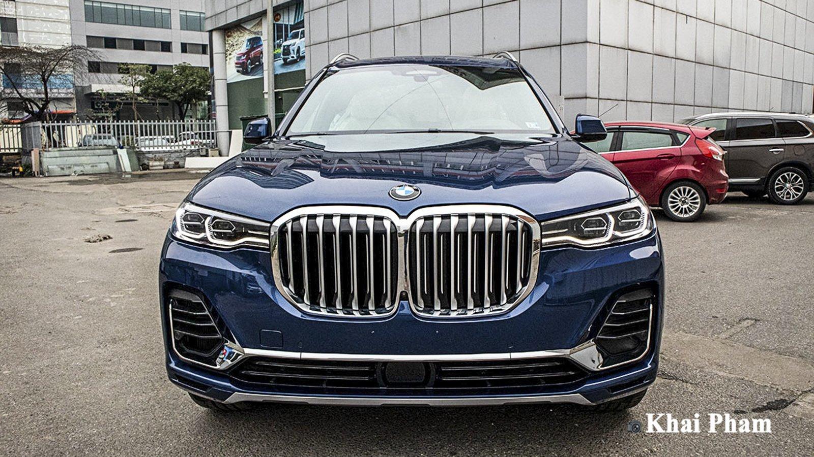 Ảnh đầu xe BMW X7 2020