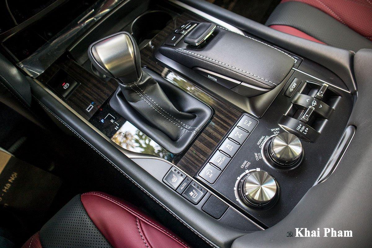 Ảnh Cần số xe Lexus LX 570 Super Sport 2020