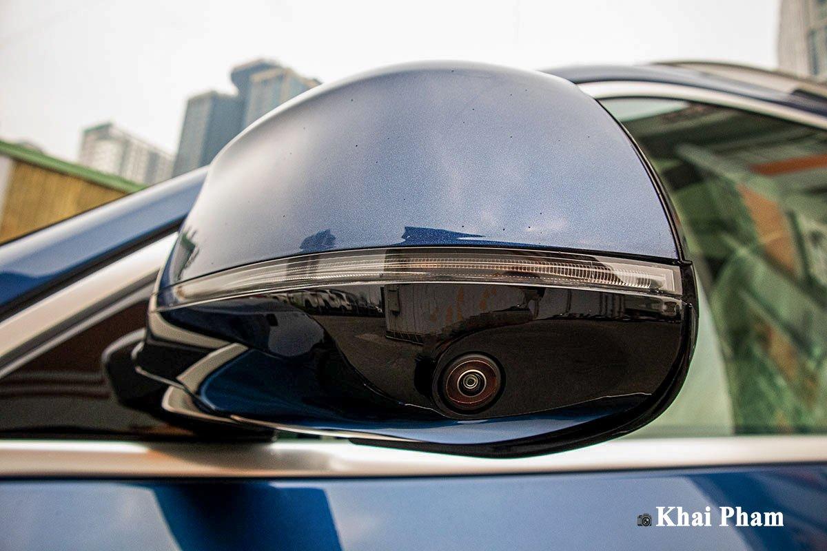 Ảnh gương xe BMW X7 2020