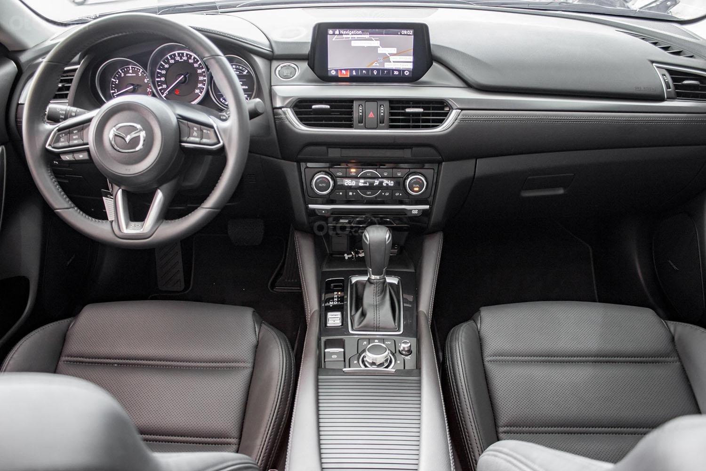 Bán Mazda 6 2.0 Premium 2019 lướt 4.000 km mới như xe trong hãng (7)