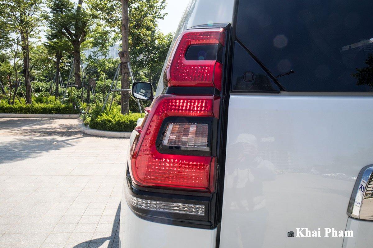 Ảnh Đèn hậu xe Toyota Land Cruiser Prado 2020