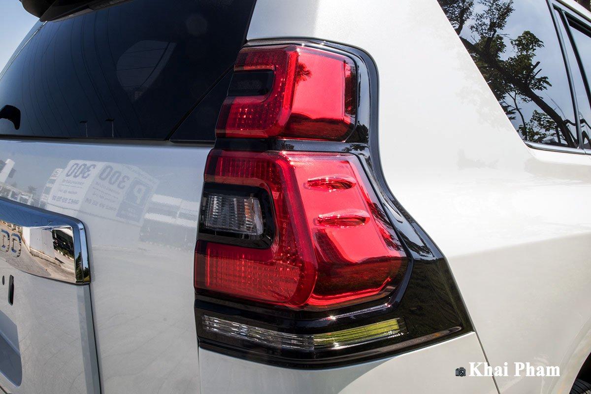 Ảnh Đèn hậu xe Toyota Land Cruiser Prado 2020 a1