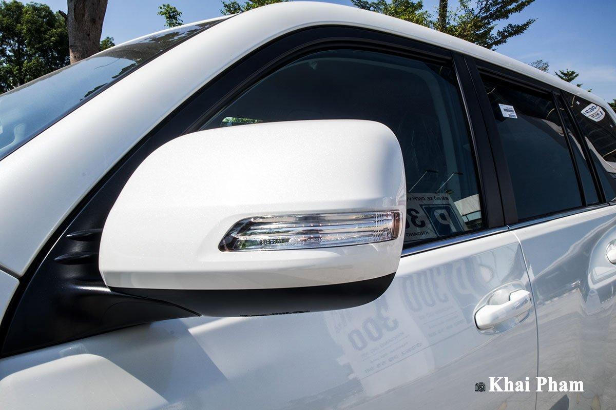 Ảnh Gương chiếu hậu xe Toyota Land Cruiser Prado 2020