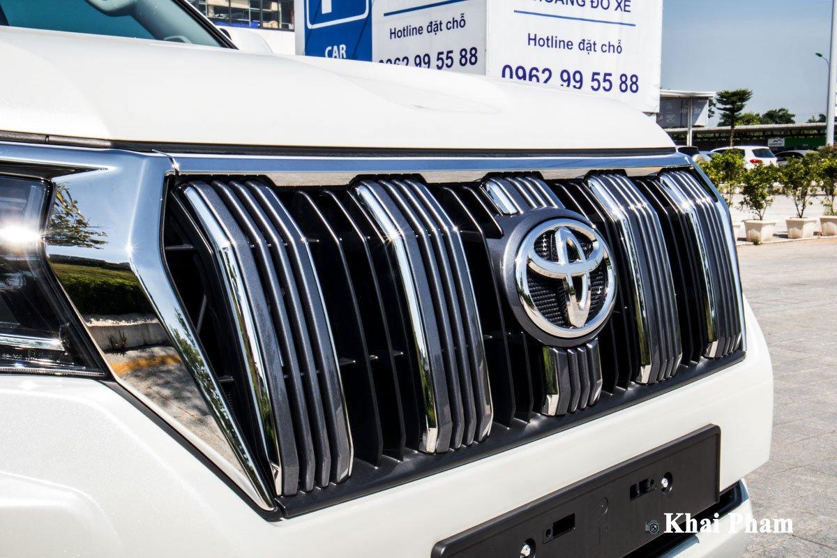 Ảnh Lưới tản nhiệt xe Toyota Land Cruiser Prado 2020