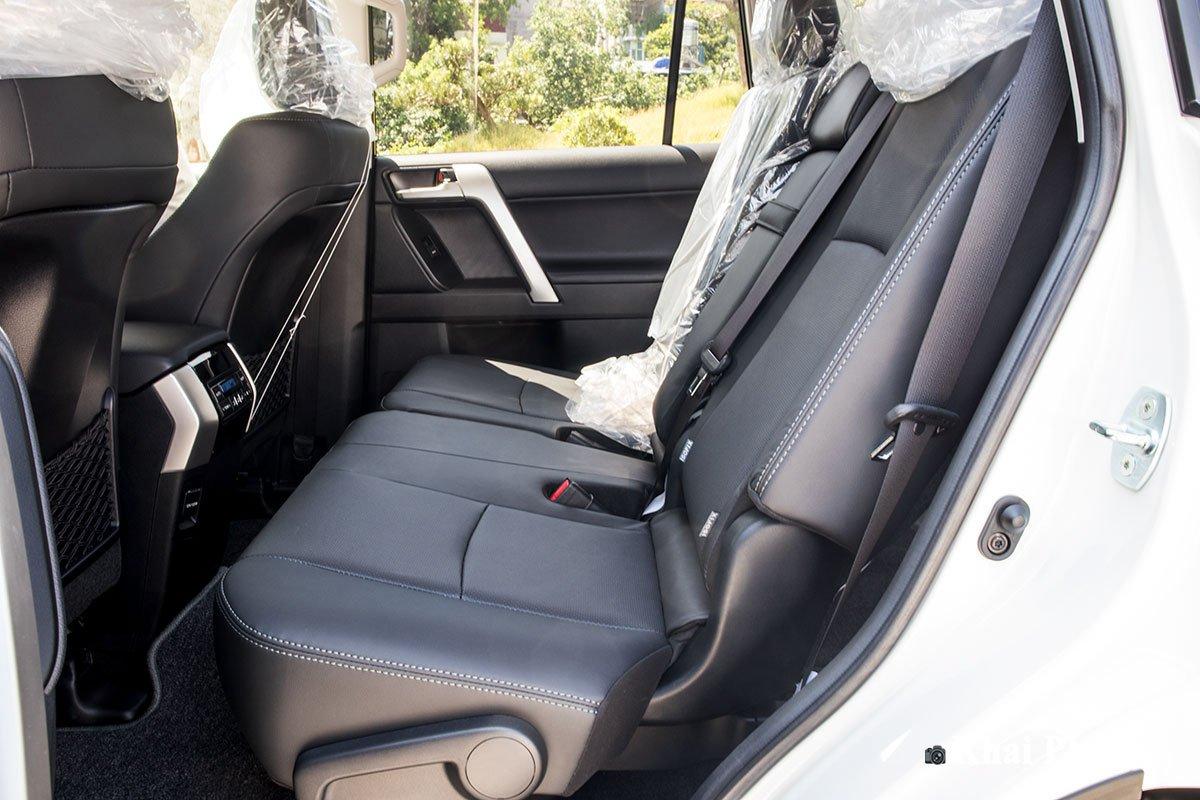 Ảnh Ghế sau xe Toyota Land Cruiser Prado 2020