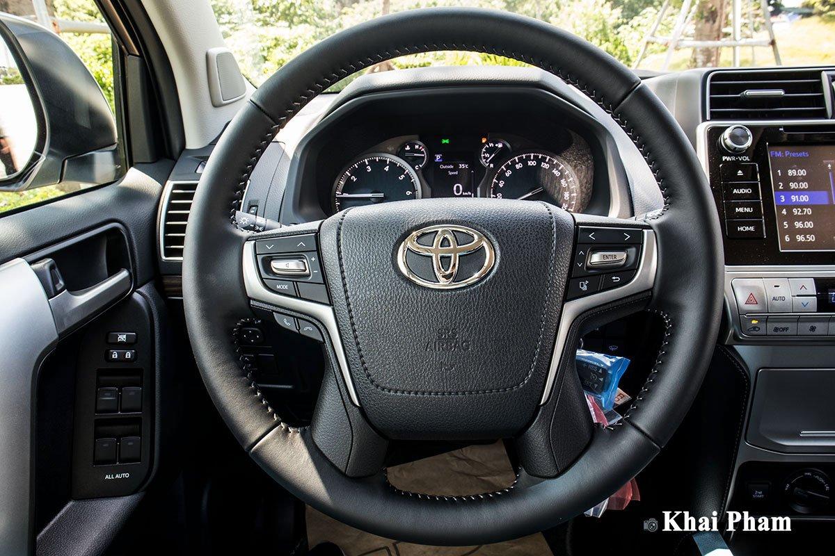 Ảnh Vô-lăng xe Toyota Land Cruiser Prado 2020