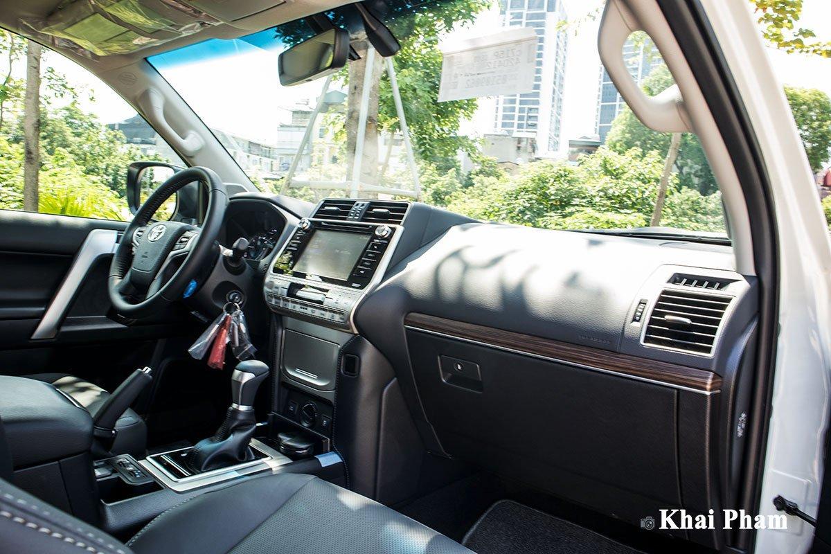 Ảnh Bảng táp-lô xe Toyota Land Cruiser Prado 2020